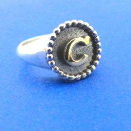 anello lettera c