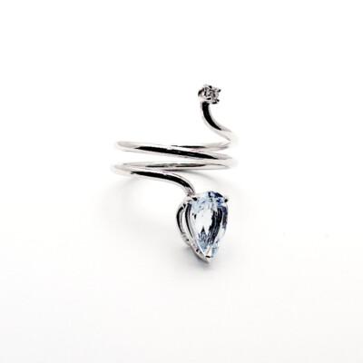 anello con acquamarina